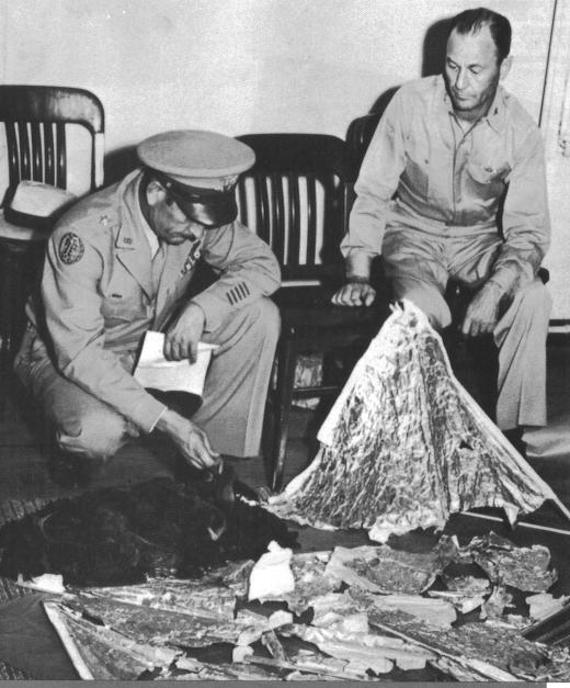 Roswell UFO debris